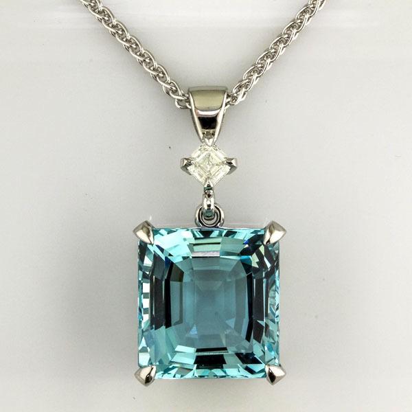 Aquamarine platinum pendant 1