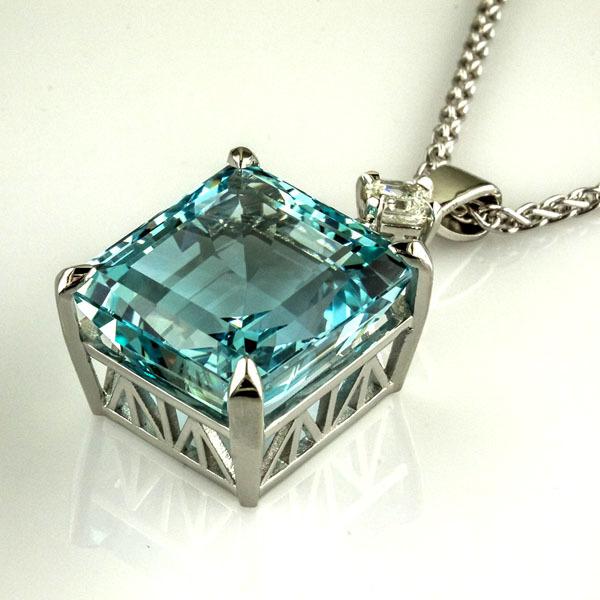 Aquamarine platinum pendant 2